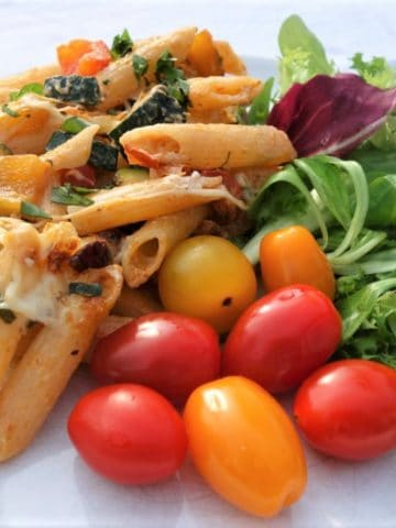 pasta-bake-with-vegetables-and-mozzarella